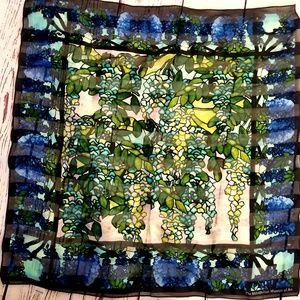 Met watercolor scarf